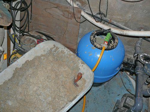 Changer le sable de votre filtre piscine 06 cannes for Cout changement liner piscine